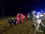 Verkehrsunfall mit mehrfacher Menschenrettung auf der LB2